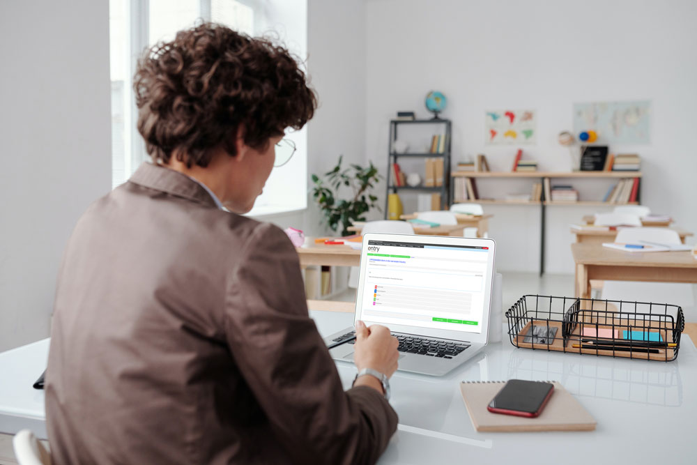 Rela estate online training in Brisbane